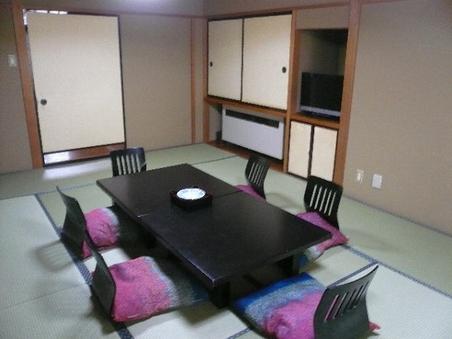 和室12畳バス・洗浄便座付客室(海側)