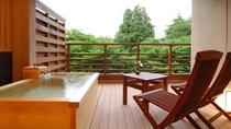 全39室の水花の庄 和洋室は、全てに檜の露天風呂を備える。