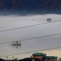 雲海の諏訪湖