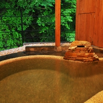 *源泉掛け流し川沿いの貸切露天風呂