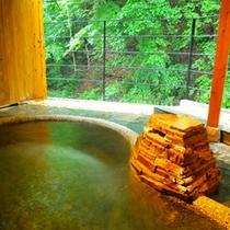 *源泉掛け流し川沿いの貸切露天風呂「鶏鳴の湯」