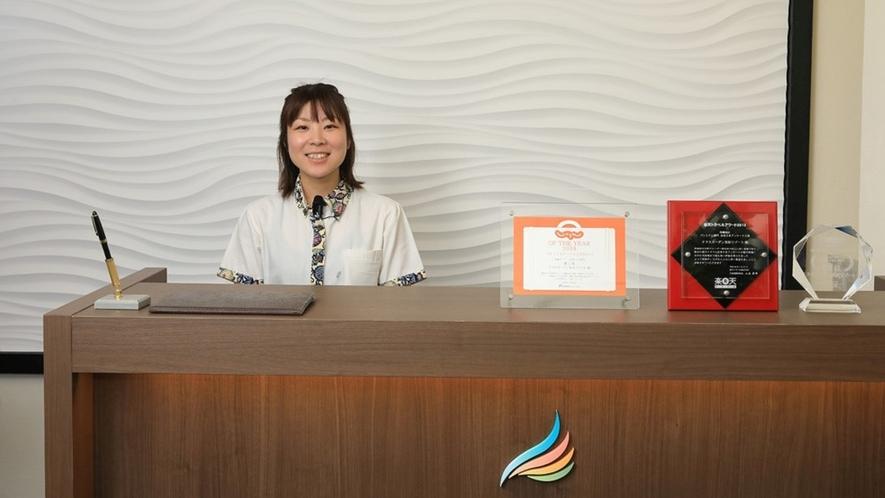 私達スタッフが沖縄の魅力を精一杯お伝えします!笑顔と元気と温かいおもてなしで、心よりお待ちしておりま