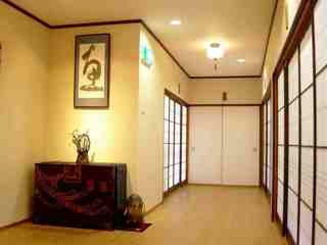 本館2階廊下