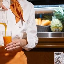 フレッシュキャロット&パイナップルジュース(朝食)