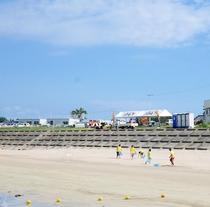【長須賀海水浴場】海水浴シーズン中はボランティアの方々が管理してくださいます