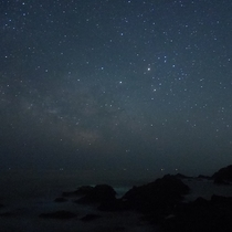 【星空】鵜島の海岸より撮影、ミラーレス一眼カメラでも沢山の星を撮影することが出来ます