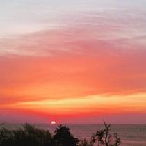 【宿からの眺望】日によって違う朝焼けがお楽しみいただけます