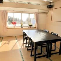 【松の間】『12畳』『収容人数6人』『お座席・テーブル選択可』『夕食単独利用可(有料)』『会議室可』