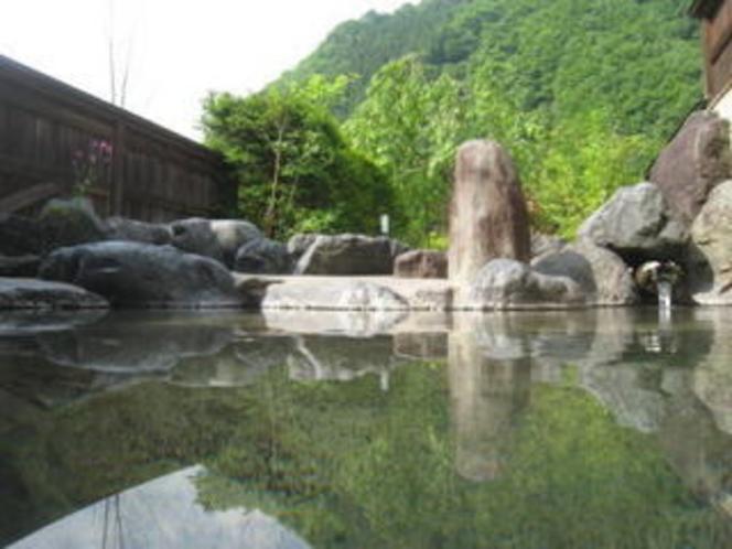 露天風呂(写真は女湯)