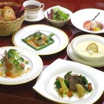 7月より洋食に変更なります。洋食イメージ写真