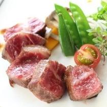 ジューシーなお肉を召し上がれ。