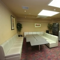 ミーティングルームは打ち合わせやカラオケルームとしてご利用いただけます。