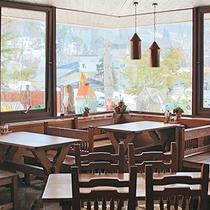 知る人ぞ知る、隠れ家的レストラン&カフェ「ウッドペッカー」