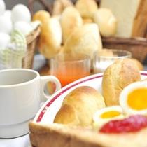 【無添加パン】ジャムにマーガリンにお好きな味を付けてお召し上がり下さい♪卵料理にもピッタリ!