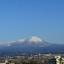 春先の大山