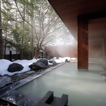 ★温泉かけ流し露天風呂(冬)