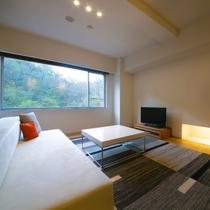 【スイート】まるで自宅で過ごすような居心地の良さと、適度な非日常感を演出する人気のお部屋タイプです。