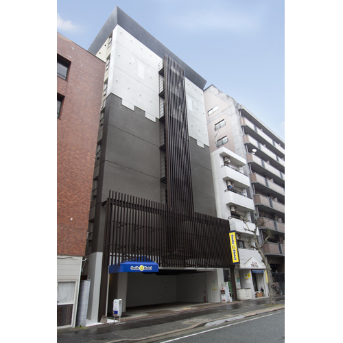 (3)下車されましたら少し博多駅側に戻り一つ目の曲がり角を右へ100m程で到着☆