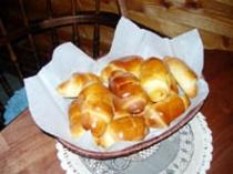 朝食は焼立ての手作りパン