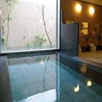 1階 人工ラジウム温泉