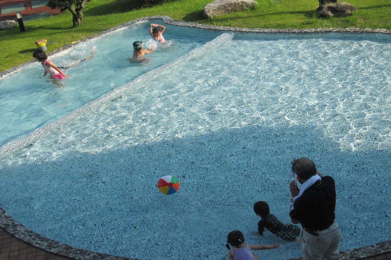 夏季、お子様プールもオープン。