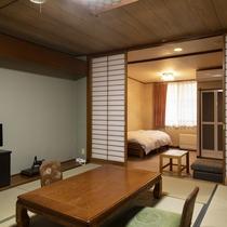 【桂館ベッド付】旧館の和室に、シングルベッドを備えたお部屋です。