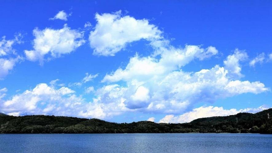 カヌーなどのアクティビティも盛ん!仁科三湖「青木湖」