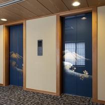 葵館のエレベーターホール。エレベーター1階となりがすぐ大浴場です。