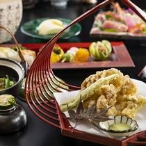 きのこ天ぷらに土瓶蒸し、秋の味覚をたっぷりとお楽しみください。