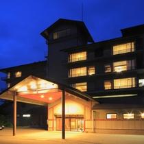 ホテルの夕暮れ時
