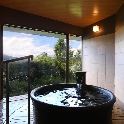 【貸切風呂・桜】お肌すべすべの湯が自慢
