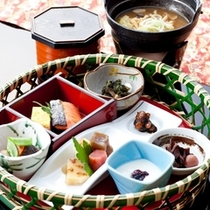【朝食】信州の美味しいお味噌汁とご飯によく合う逸品をご用意しております