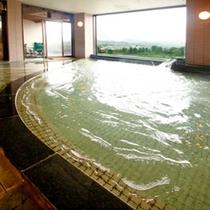 ■男性大浴場・湯船も広く窓も大きい