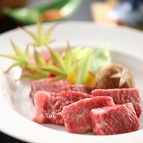 【彩の料理 一例】メインは長野県産、霜降和牛の鉄板焼き!