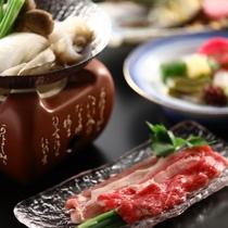 【舞の料理 一例】メインは信州ポークと和牛ばら肉のすき焼き