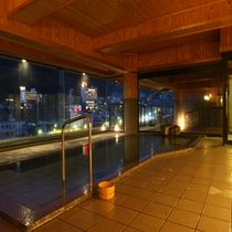 夜景を見ながらの入浴もまた格別です♪