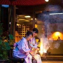 【外観】玄関で花火…旅の思い出