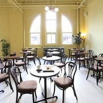 cafe&deli MARUSEN 内観