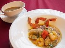 松葉ガニのブイヤベース 蟹味噌ルイユ添え
