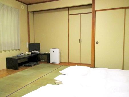 【喫煙・可】  和室(2名様〜5名様)