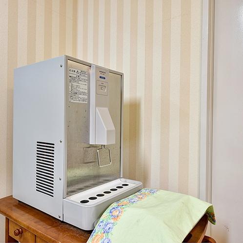 【癒しの湯】脱衣所に冷水をご用意しております。