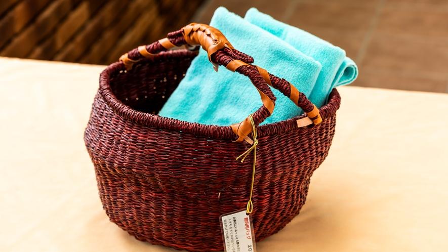 ■大浴場行く時に便利な籠を、お部屋にご用意しております