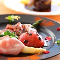 【贅沢グルメプラン】ある日のお料理の一例 食材で作られた自然の世界は目でもお楽しみいただけます
