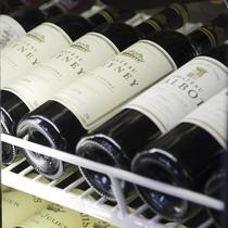ワインも多く揃えております