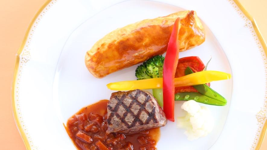 ■スタンダードプラン ある日のお肉料理 お肉の焼き目が食欲をそそります