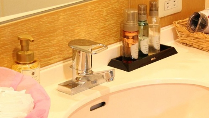 ■女性浴場 脱衣所にも各種アメニティをご用意しております