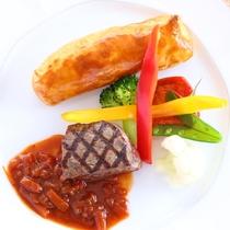 【スタンダードプラン】ある日のお肉料理 お肉の焼き目が食欲をそそります