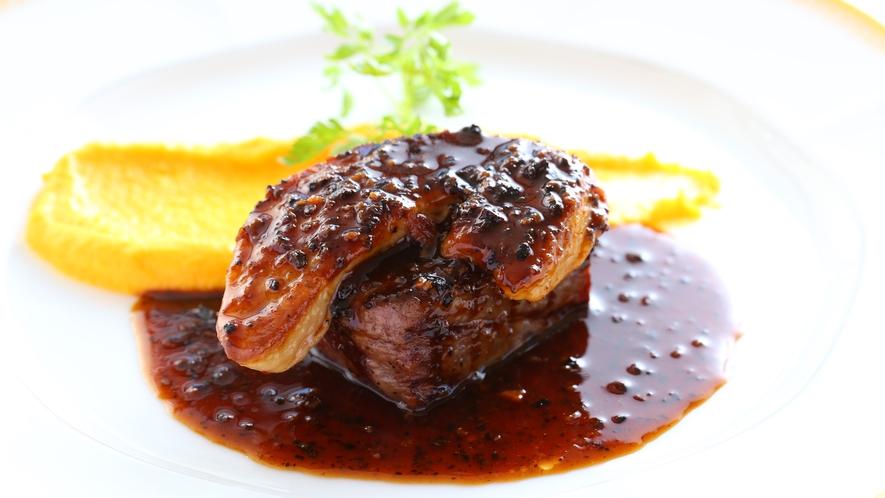 ■贅沢グルメプラン ある日のお肉料理 口の中でとろけるフォアグラをご堪能ください