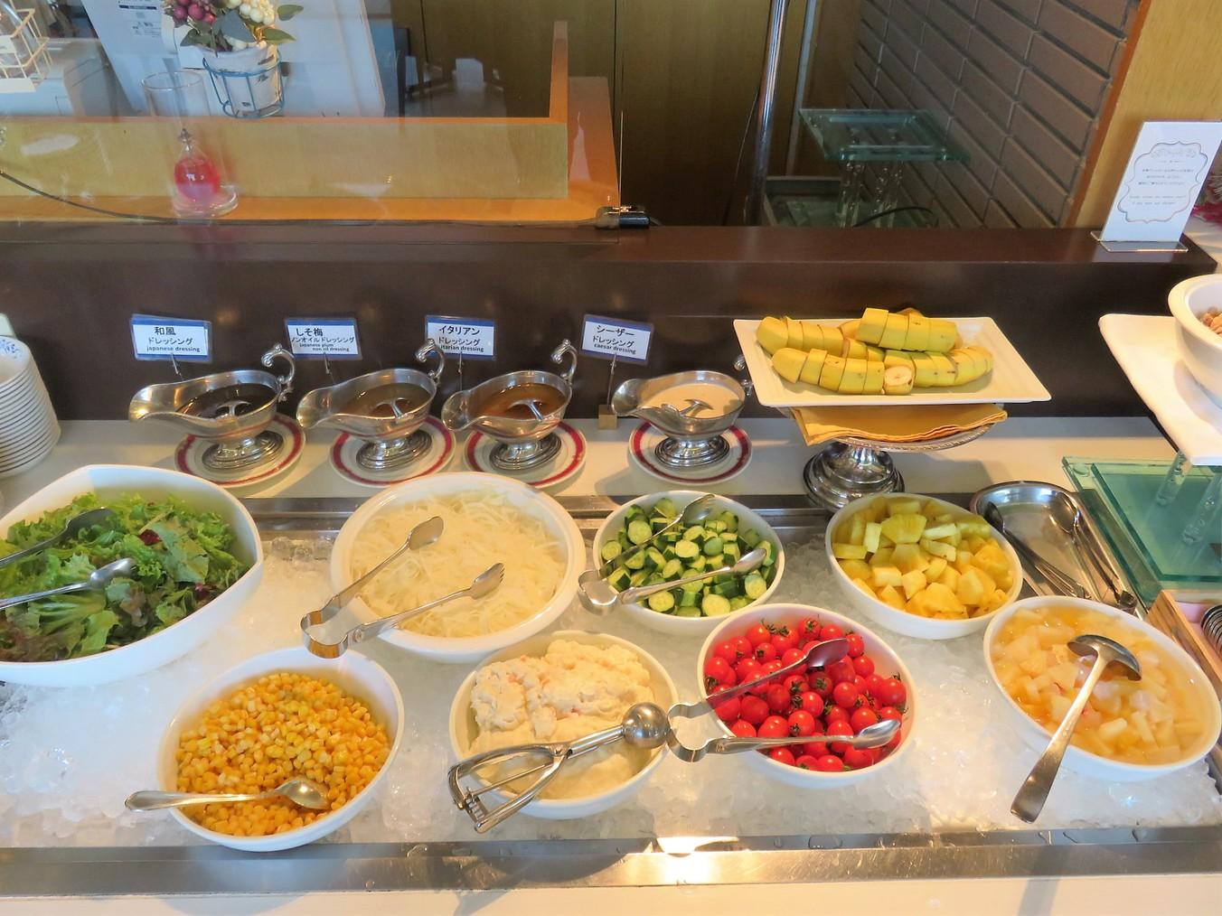 〜ご朝食<バイキング>〜サラダ一例
