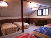 洋室ベット6屋根裏仕様部屋